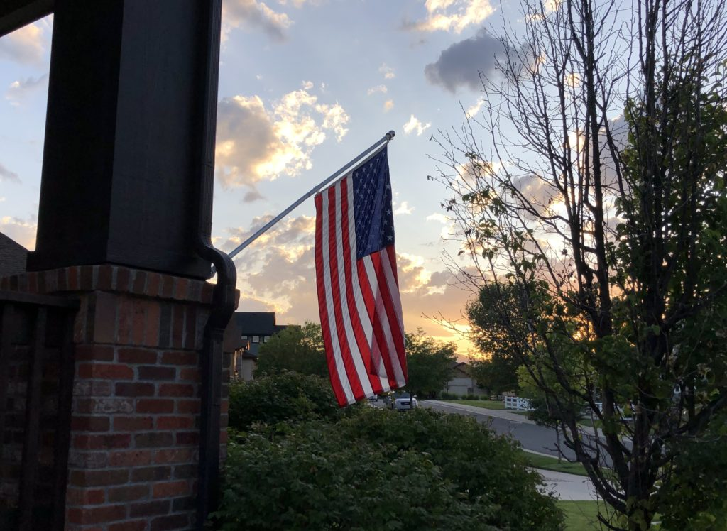US Residential Flag Set - Never forget